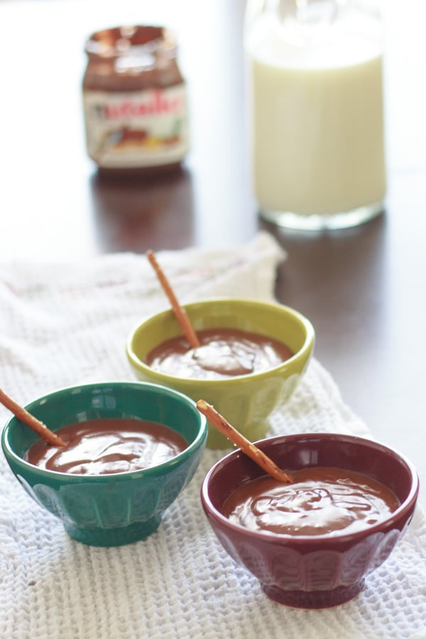 Nutella in pudding = deliciousness. With only 4 ingredients, this is a super yummy way to enjoy Nutella in refrigerated form!