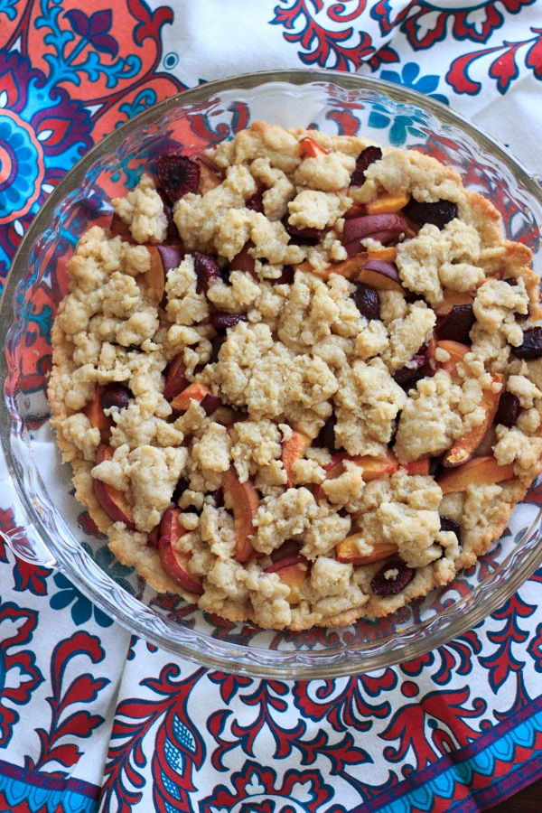 Cherry peach crumb bars - perfectly balanced with just the right amount of fruit and just the right amount of crust! | trialandeater.com