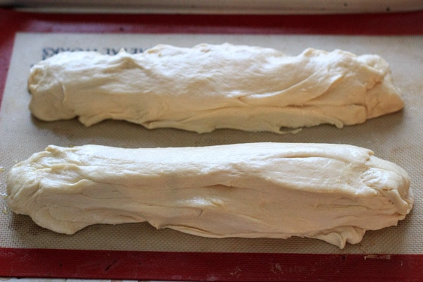 Good old fashioned Italian Bread. Very easy dough consistency and a great (vegan) addition to any meal!