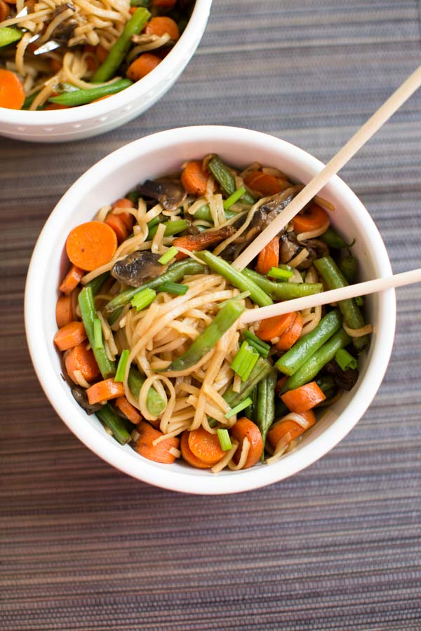 Veggie Lo Mein with mushrooms, green beans and carrots. Packed with veggies and ready faster than take-out.