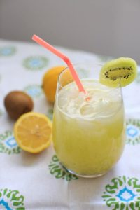 Homemade Kiwi Lemonade - freshly squeezed lemonade with a twist of kiwi fruit!