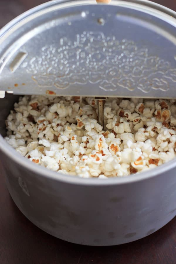 How to make homemade popcorn, 3 ways. No need to buy store-bought popcorn bags when it's so easy to make healthy preservative-free popcorn at home!