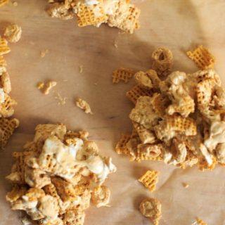 Fluffernutter Cereal Snack Bars + Giveaway