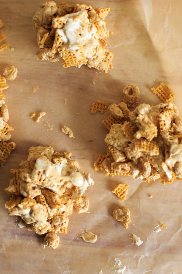 Fluffernutter Cereal Snack Bars - make these delicious treats with gluten-free Cheerios and Chex - peanut butter, marshmallow cream and optional chocolate!