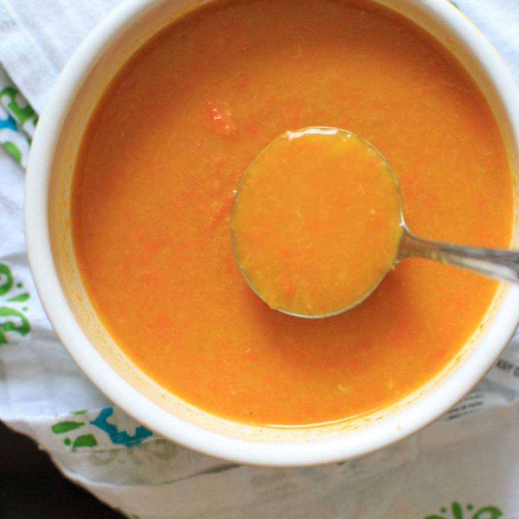 Carrot and Leek Soup - one pot meal ready in 30 minutes. Super flavorful and healthy vegetable meal!