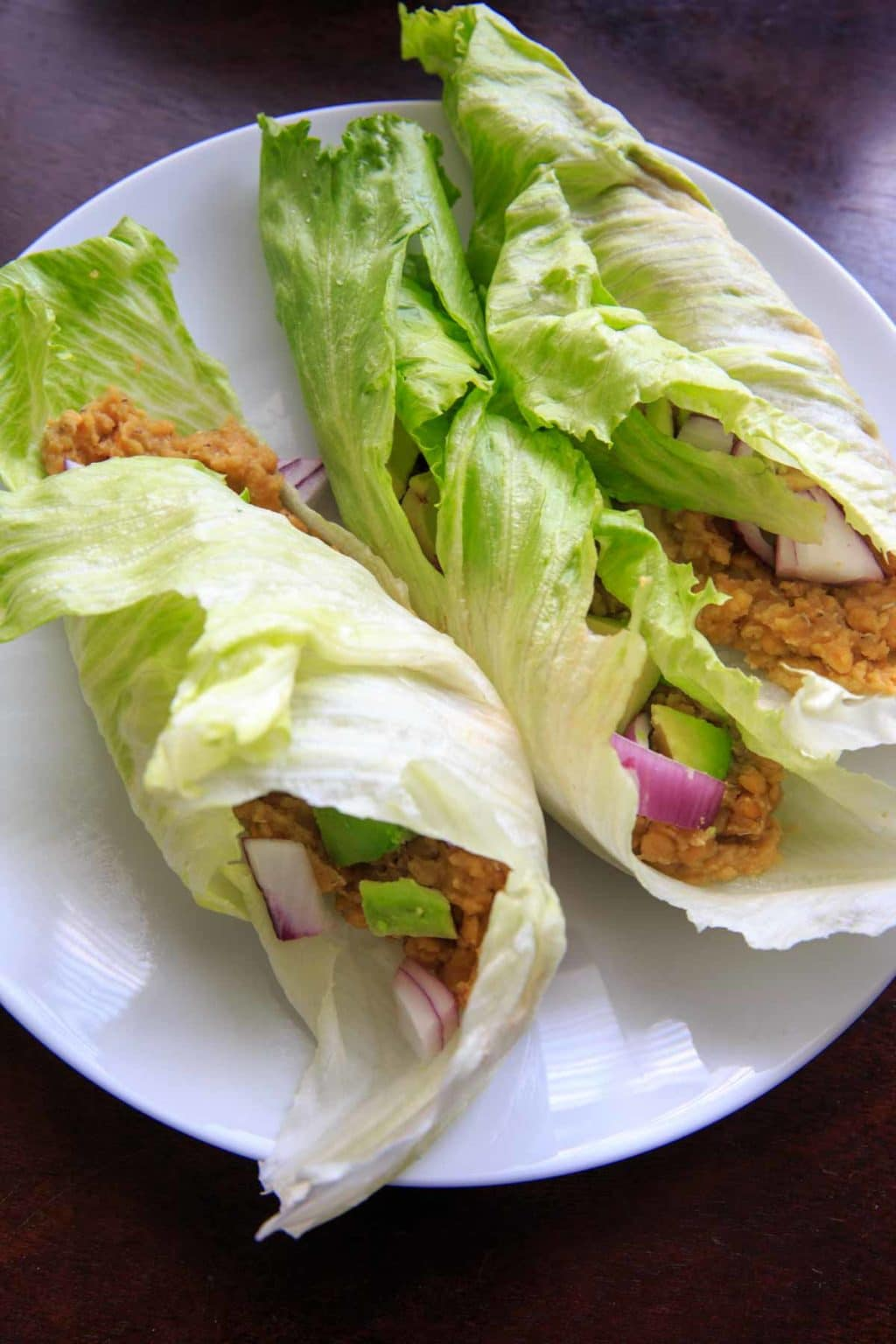 Lentil lettuce wraps with lemon garlic hummus. Healthy, easy, customizable and full of flavor!