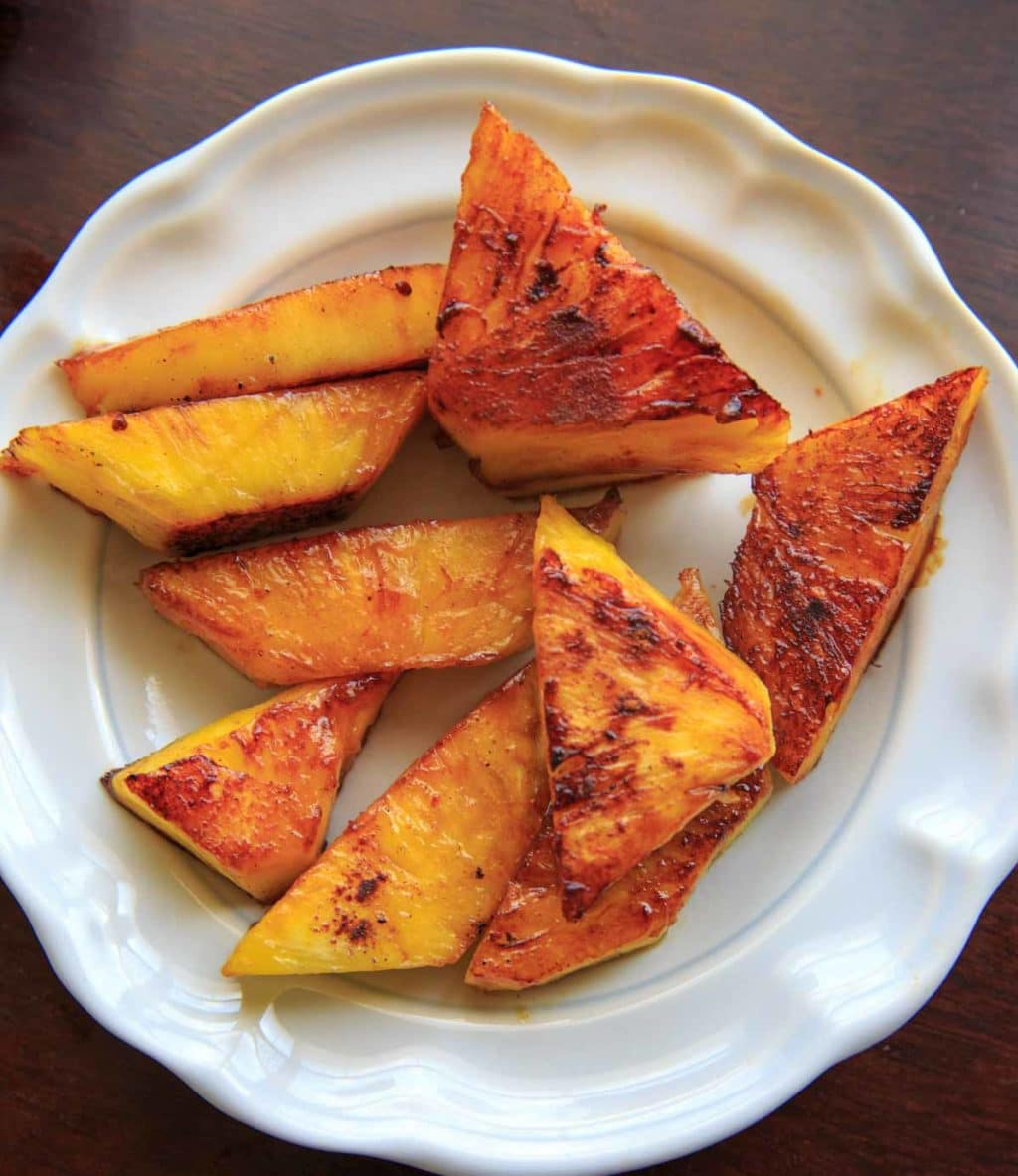 Grilled pineapple with honey