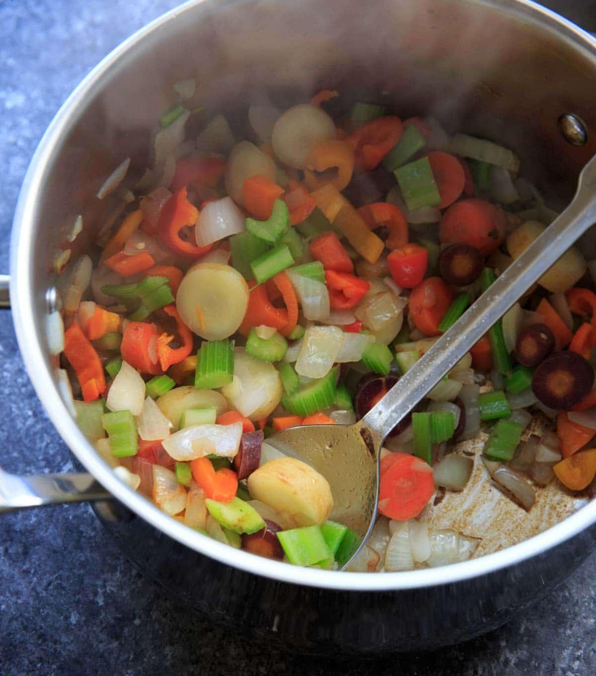 non-starchy veggies in pot - detox cabbage soup