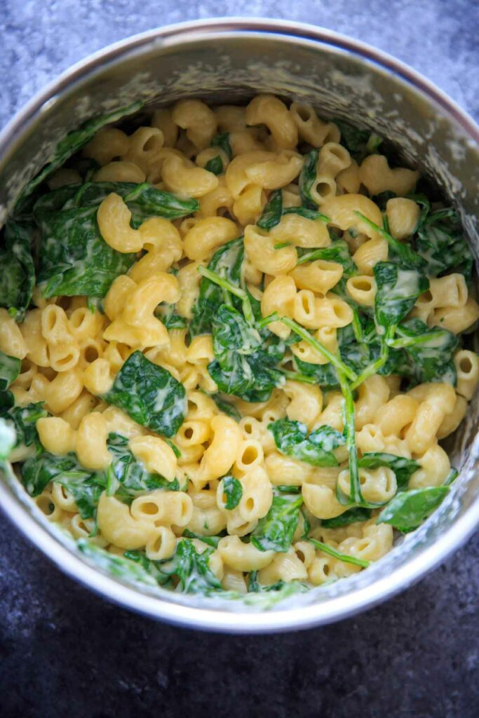 White Cheddar Macaroni and Cheese with Spinach