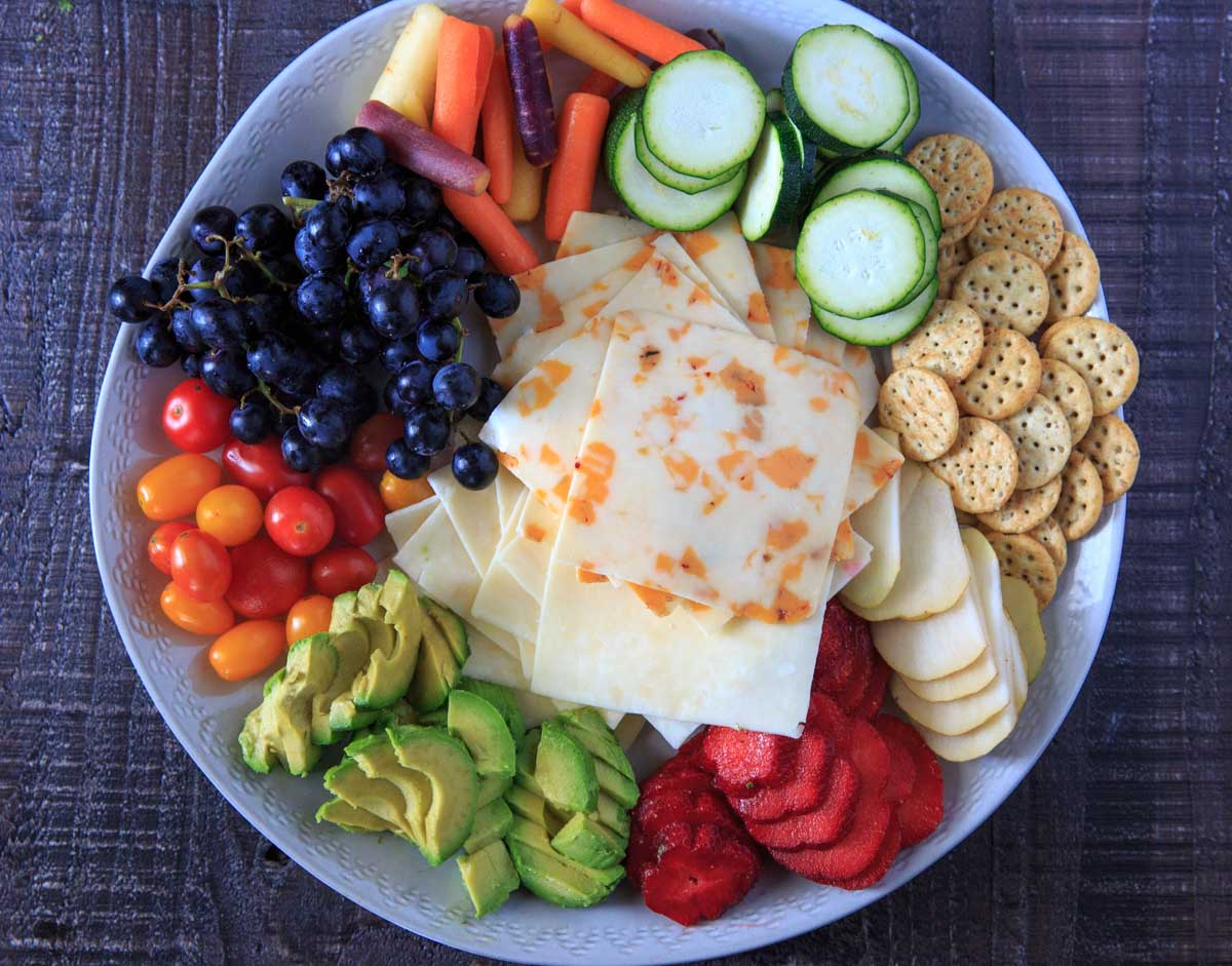 Sargento Cheese Summer Platter with fruits, vegetables and crackers