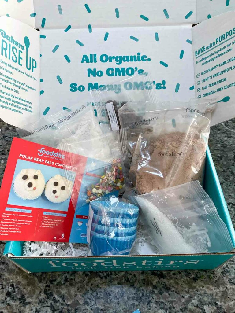 foodstirs polar bear cupcake kit contents