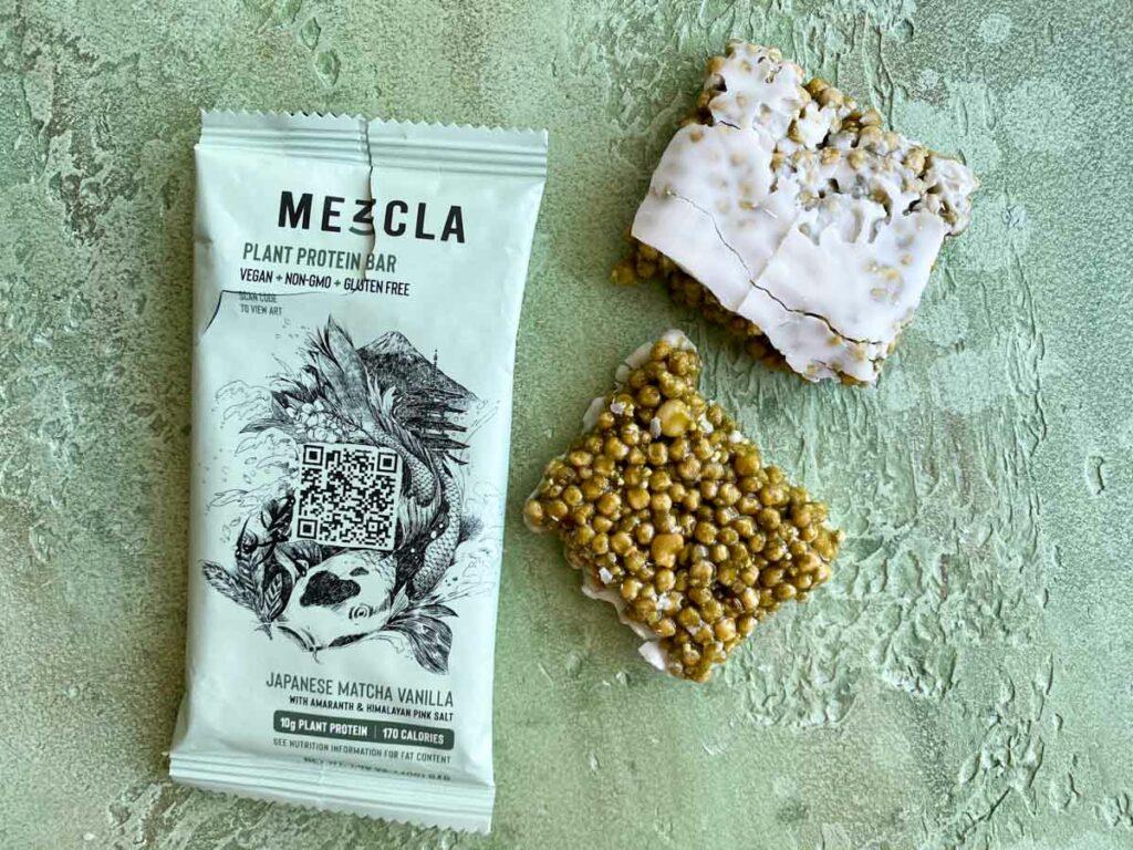 Japanese Matcha Vanilla flavor of Mezcla plant based bar outside of package